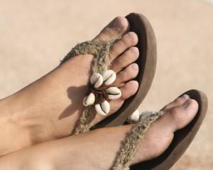 flip flops summer feet