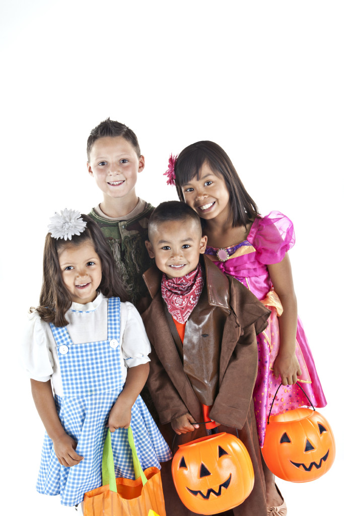 Kids in halloween costumes standing together and smiling[url=http://www.istockphoto.com/my_lightbox_contents.php?lightboxID=1805462][img]http://i176.photobucket.com/albums/w171/manley099/Lightbox/children.jpg[/img][/url][url=http://www.istockphoto.com/my_lightbox_contents.php?lightboxID= 10960911][img]http://i176.photobucket.com/albums/w171/manley099/Lightbox/halloween.jpg[/img][/url] [url=http://www.istockphoto.com/my_lightbox_contents.php?lightboxID=5481886][img]http://i176.photobucket.com/albums/w171/manley099/Lightbox/flame.jpg[/img][/url]